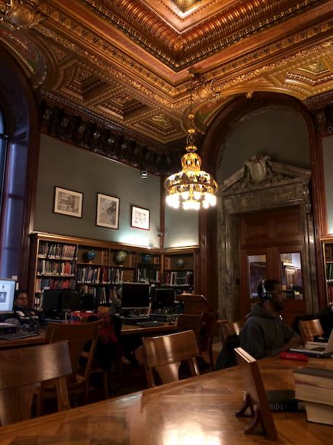 Biblioteca de Nueva York donde nació EBV Consulting